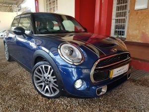 Pre-owned Mini Cooper S for sale in Namibia