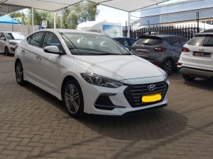Pre-owned Hyundai Elantra for sale in Namibia