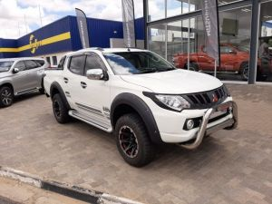 Pre-owned Mitsubishi Triton for sale in Namibia
