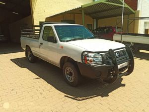 Pre-owned Nissan Hardbody for sale in Namibia