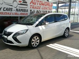 Pre-owned Opel Zafira for sale in Namibia