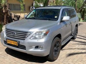 Pre-owned Lexus LX570 for sale in Namibia