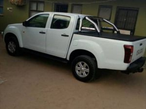 Pre-owned Isuzu 2016 for sale in Namibia