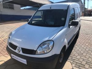 Pre-owned Renault Kangoo for sale in Namibia