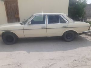 Pre-owned Mercedes-Benz 123 for sale in Namibia